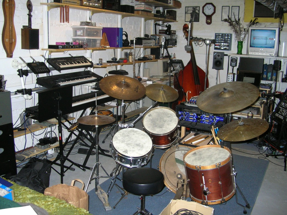 Learn to play snare drums